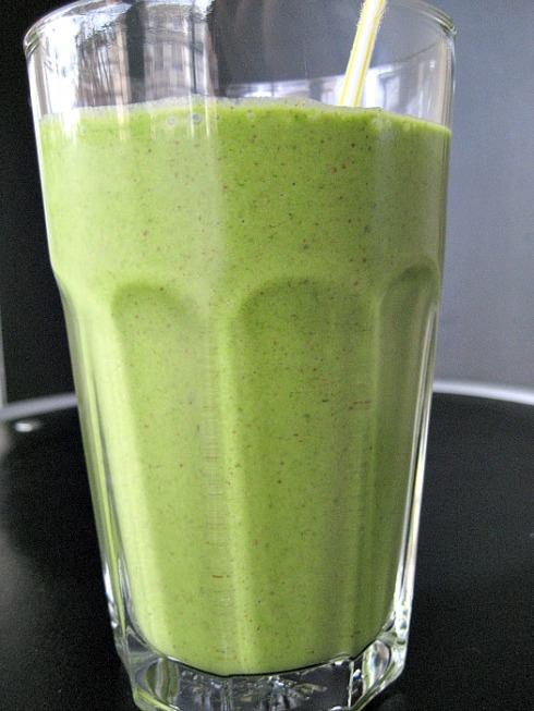 Green Monster Smoothie | Adventures of a Hungry Redhead