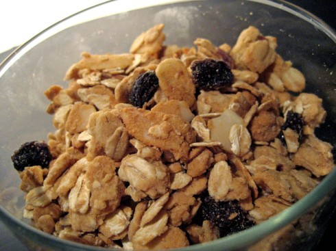 Honey Almond Granola | Adventures of a Hungry Redhead