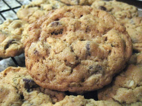 Peanut Butter Oatmeal Chocolate Chip Cookies | Adventures of a Hungry Redhead