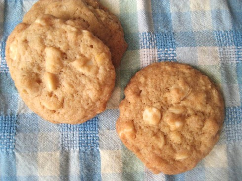 White Chocolate Macadamia Nut Cookies | Adventures of a Hungry Redhead