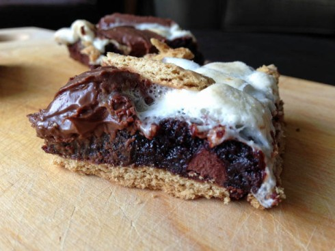Smore Brownie Bars | Adventures of a Hungry Redhead