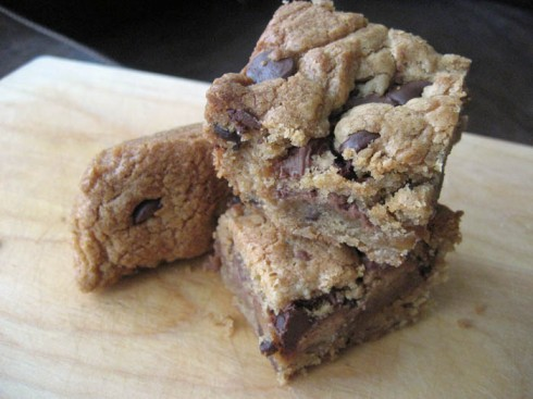 Peanut Butter Cup Caramel Bars | Adventures of a Hungry Redhead
